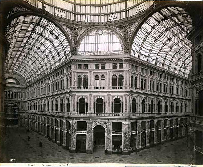 http://upload.wikimedia.org/wikipedia/commons/2/2c/Sommer%2C_Giorgio_%281834-1914%29_-_n._1135_-_Napoli_-_Galleria_Umberto_I.jpg