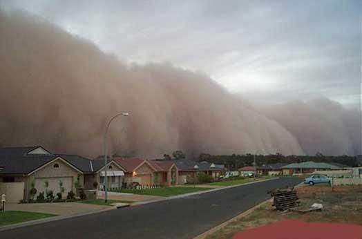 http://asiaaudiovisualex09ramliprasetio.files.wordpress.com/2009/11/tsunami-dust-wave.jpg