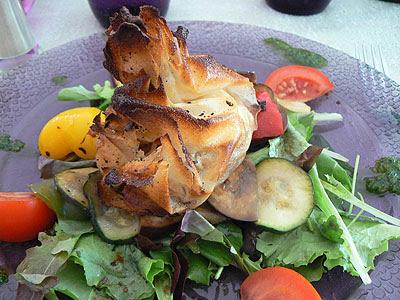 croustine chèvre, pommes et miel, légumes marinés.jpg