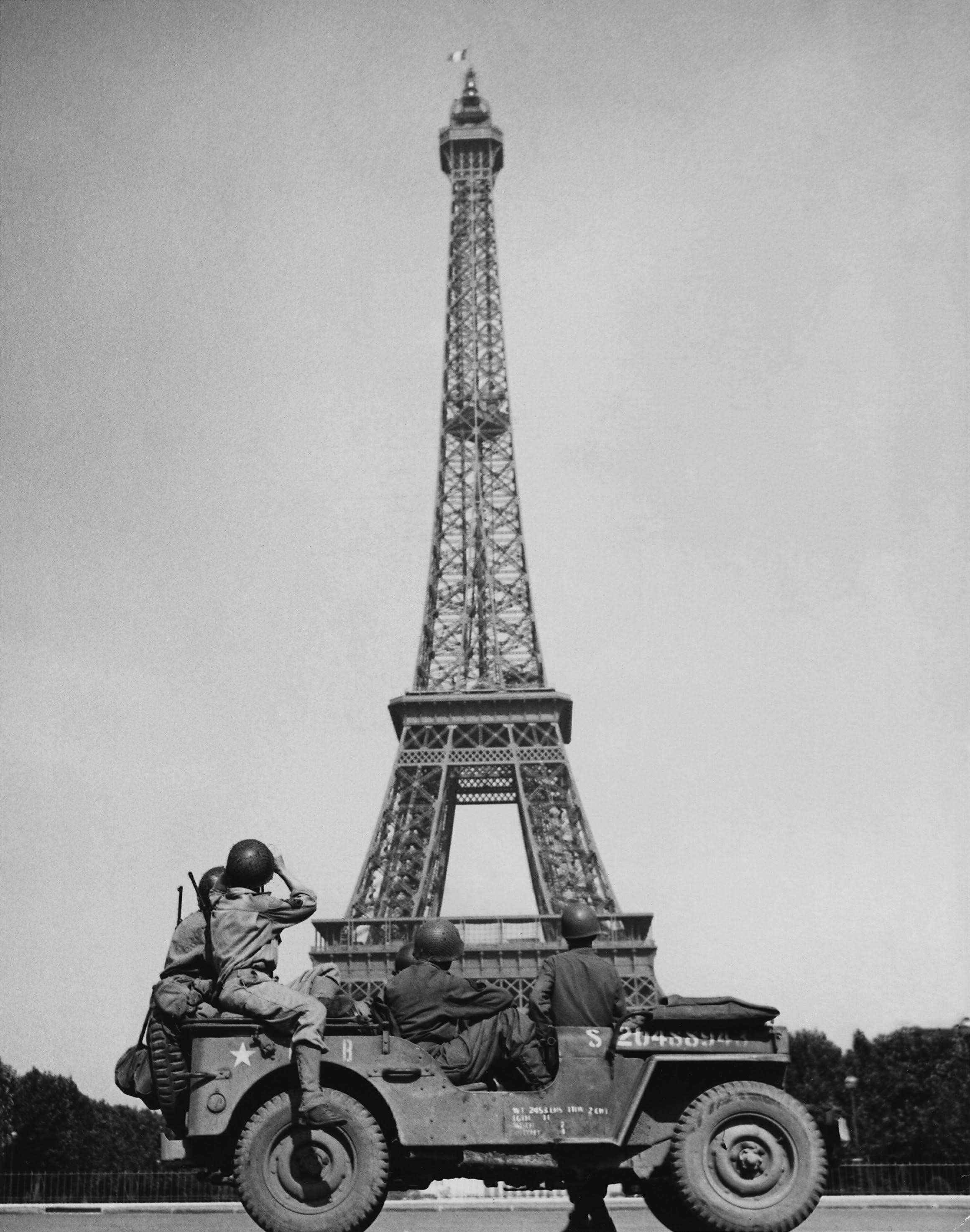 Eiffel Tower - Wikipedia, the free encyclopedia