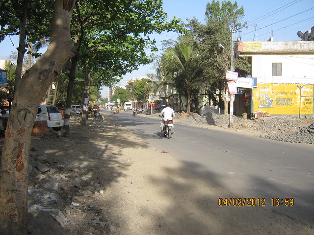 Road to Kalpataru Serenity, 2 BHK & 3 BHK Flats at Manjri, opp. Navratna Mangal Karyalay, Mahadev Nagar, Pune 412 307 - 5