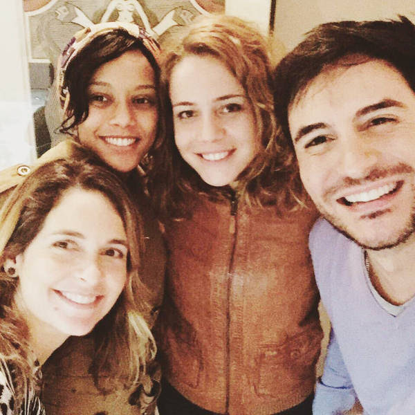 """Cláudia Abreu, Taís Araújo, Leandra Leal e Ricardo Tozzi em reunião para decidir detalhes do filme das """"Empreguetes"""""""