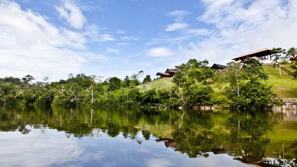 El lago Lindo, transparente y con árboles que emergen de sus aguas / Gihan Tubbeh-PromPerú.