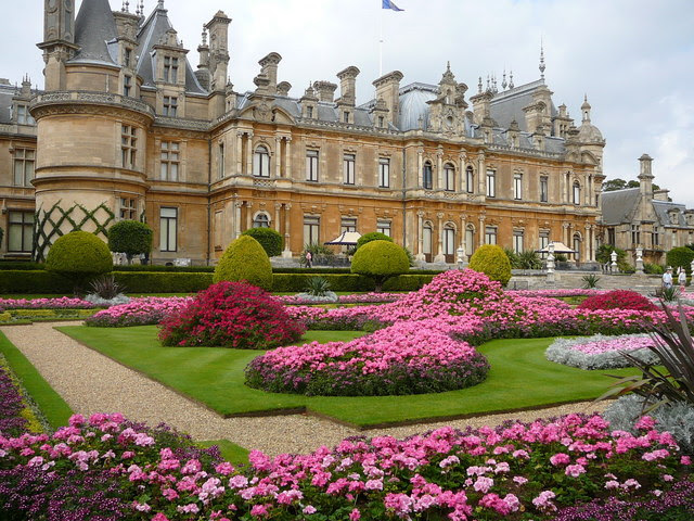 File:Waddesdon Manor and Gardens - geograph.org.uk - 649037.jpg