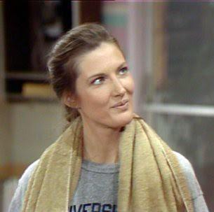 Rachel (Annette O'Toole)