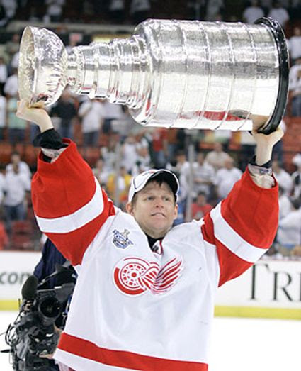 Osgood Red Wings 2008 photo Chris Osgood Stanley Cup 2008.jpg
