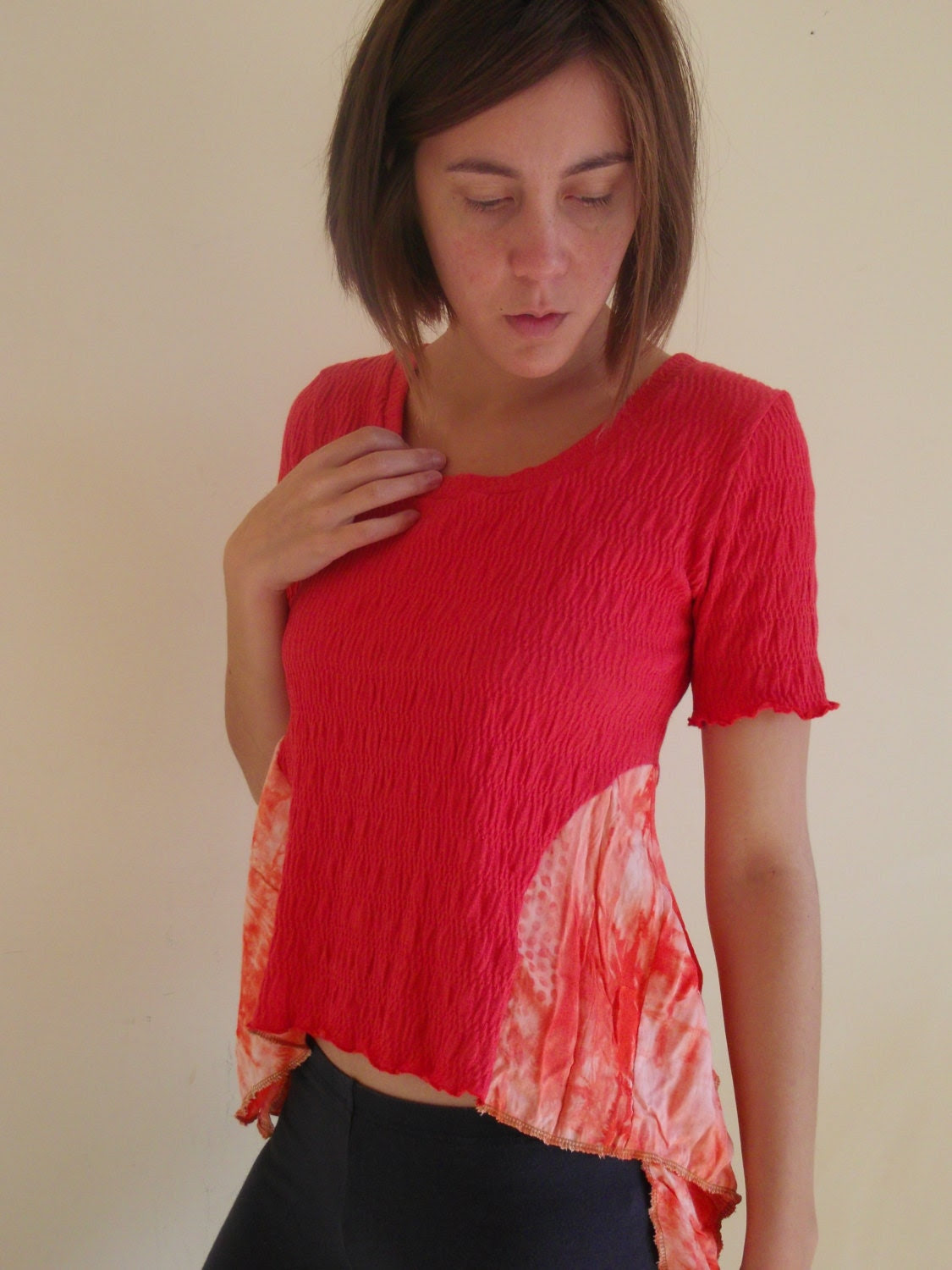 S coral tie dye upcycled cropped tshirt - small