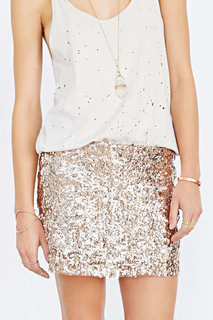 Love_Sadie_Sequin_Mini_Skirt_urban_outfitters_lovelyisms 682x1024