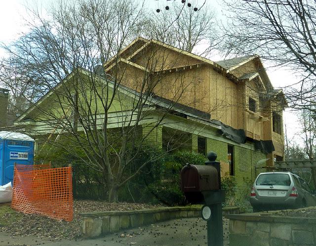 P1030801-2012-01-11--933-Highland-View-NE-Poptop-WIP-2nd-floor-Walls