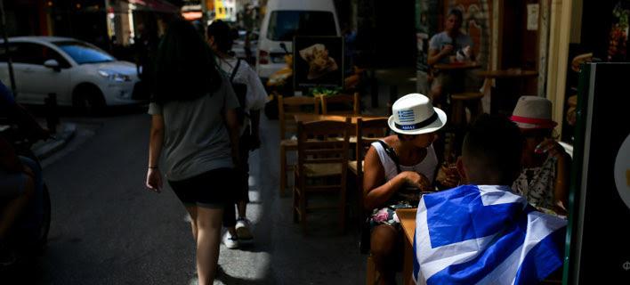 Guardian: Οι δυσκολίες για την Ελλάδα δεν τελειώνουν μετά τις 20 Αυγούστου