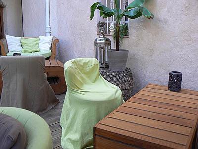 tables et fauteuils resto.jpg