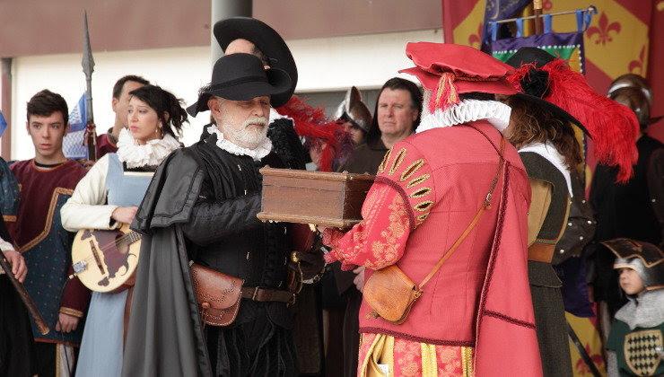 Noja regresa un año más al siglo XVII para recibir el Privilegio de Vara