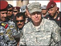 Gen Petraeus (C)