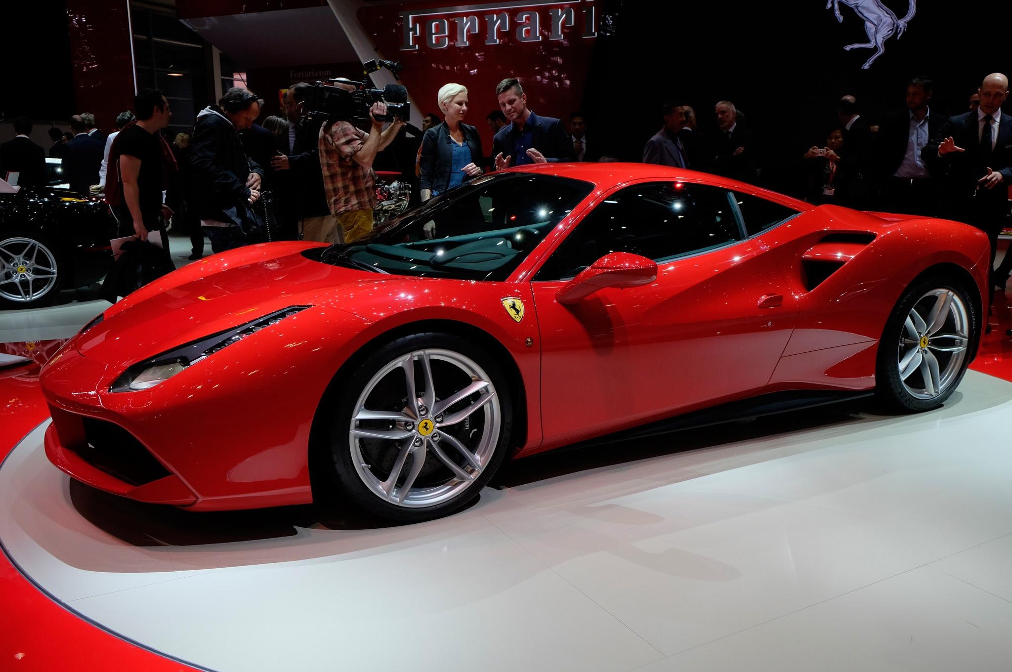 2016 Ferrari 488 GTB Features Turbocharging, 660 Horsepower