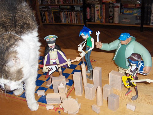 Suddenly, the wicked Kitten Kong crashes the concert!