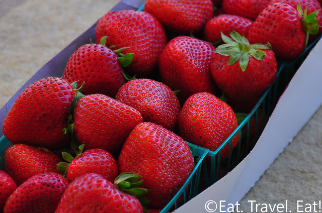 From the Farmer's Market: Strawberries in Pints
