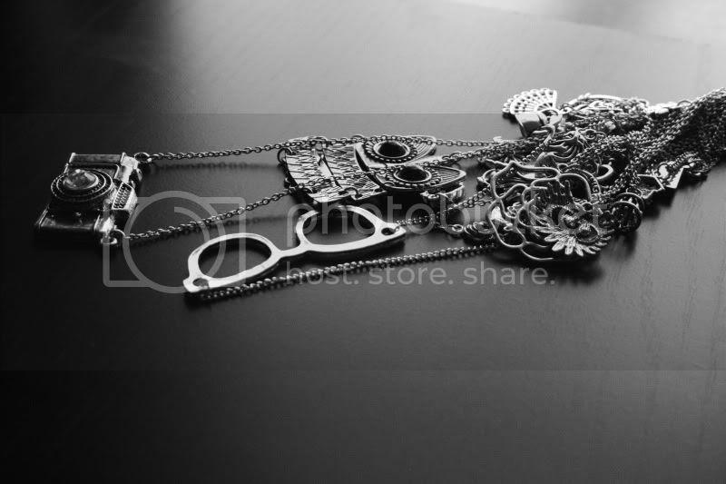 silver necklaces with charms