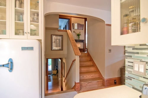 Easy Tips To Update Split Level Homes Home Decor Help Home Decor