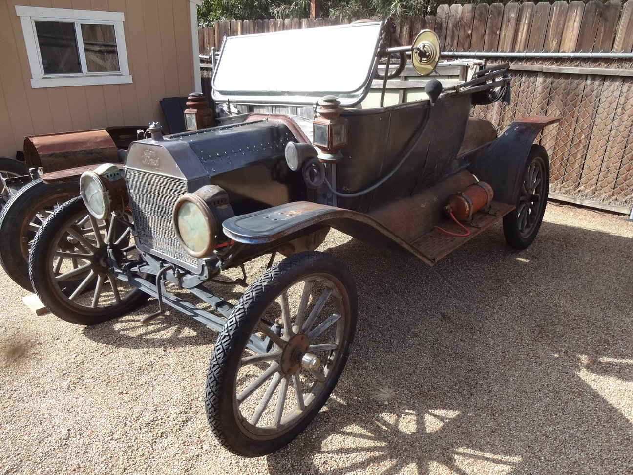 Model T Ford Forum: 1913 Roadster Barn Find