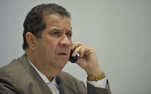 O ministro Carlos Lupi durante evento no Ministério do Trabalho e Emprego nesta terça (Foto: Marcello Casal Jr./ Agência Brasil)
