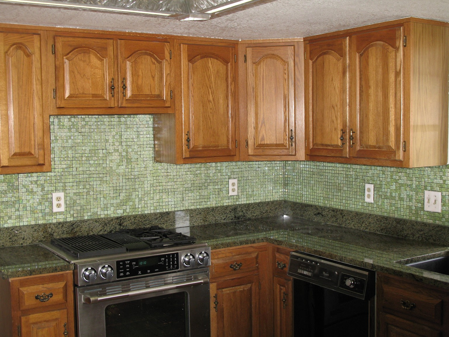 Glass Tile Backsplash Ideas
