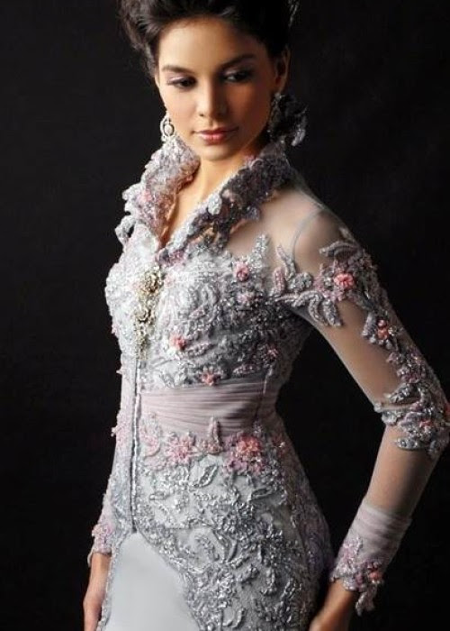 Trend Alert : Beauty Of Indonesian Kebaya » Celebrity Fashion, Outfit Trends And Beauty Tips
