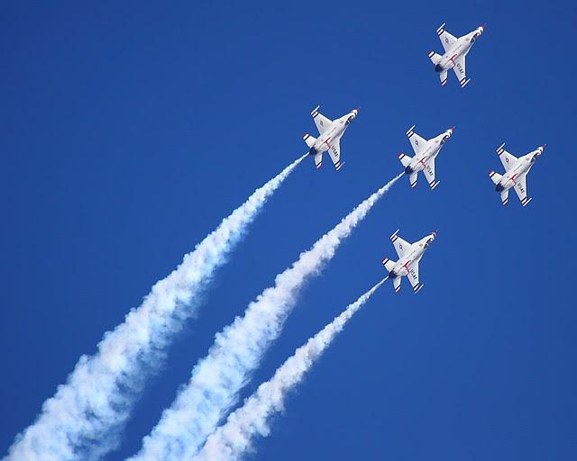 IMG_3254 Thunderbirds, Travis AFB Air Show