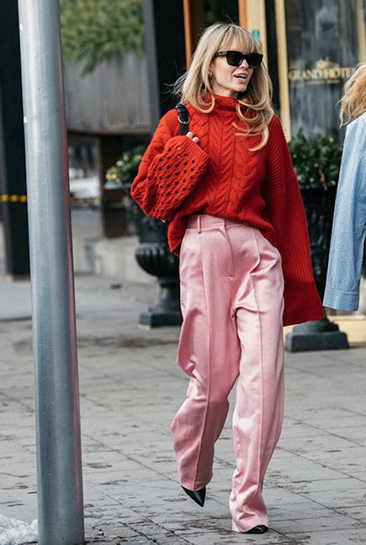 Le Fashion Blog Fashion Week Red Cable knit Sweater Pink Wide Leg Trousers Combination Black Pumps Via Vogue Paris