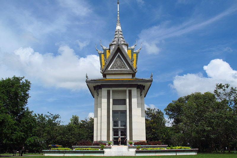 File:Buddhist Stupa at Choeung Ek killing fields, Cambodia.JPG