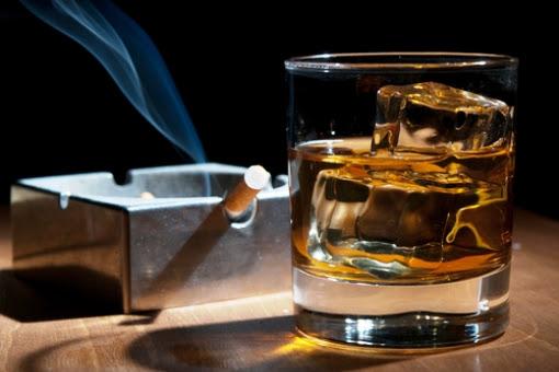 Αποτέλεσμα εικόνας για ποτό και τσιγάρο εικόνες