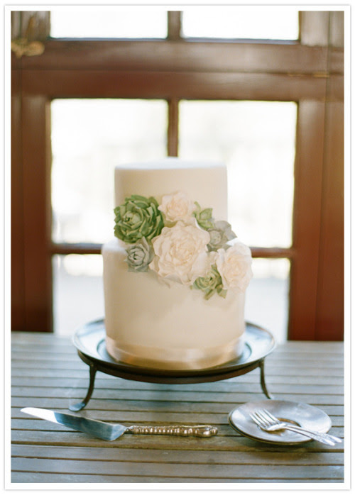 Beautiful simple green and white wedding cake via forevercherished