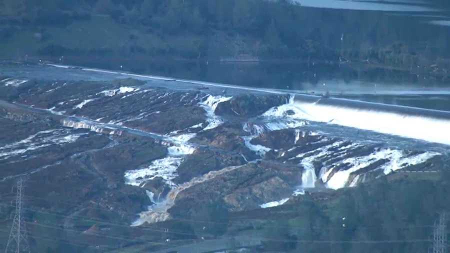 Oroville Em Spillway, erosion