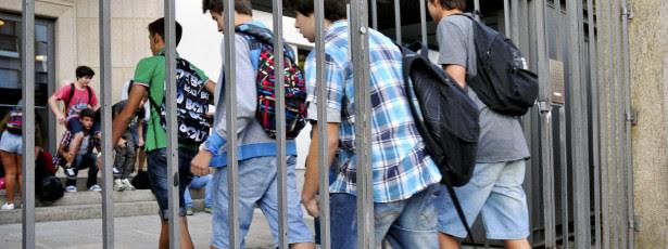 Sindicato da PSP critica vigilância nas escolas por militares