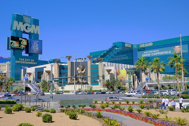 Hotels In Las Vegas With  Rooms