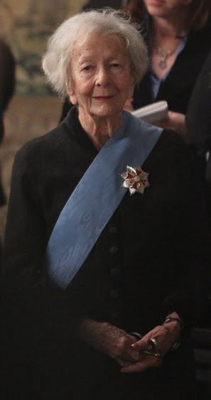 Plik:Szymborska 2011 (1).jpg