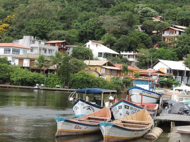 Barra da Lagoa é uma das regiões onde a pesca artesanal tem forte presença na Ilha (Foto: Janara Nicoletti/G1)