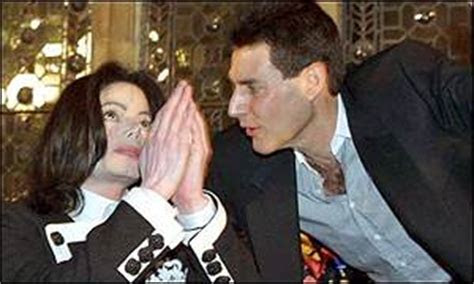 BBC News   ENTERTAINMENT   Jackson fans await Geller wedding