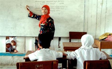 kondisi guru  indonesia memprihatinkan tribunnewscom