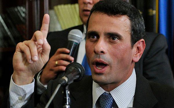 Capriles desde Colombia: