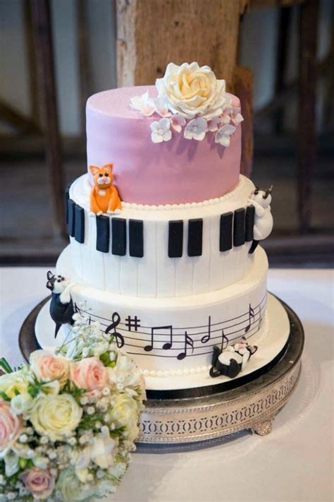 Musical and Cat themed Wedding Cake   Bakealous