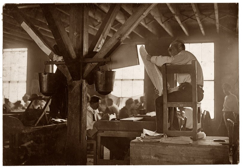 Cigar Factory Reader: 1909