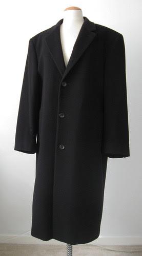 Black cashmere coat front