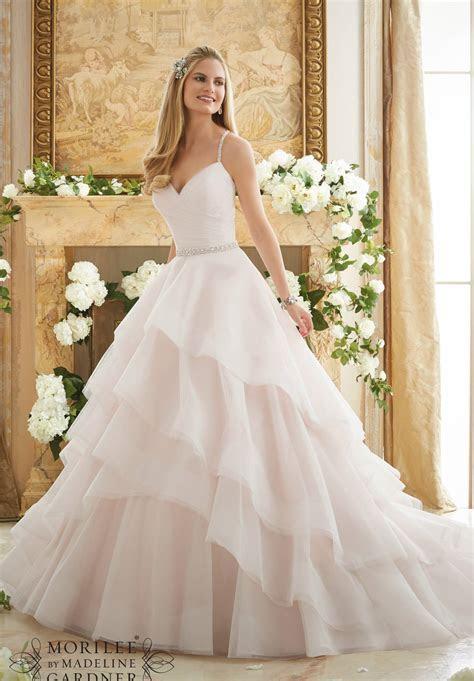 Wedding Dress Trends for 2017 Brides