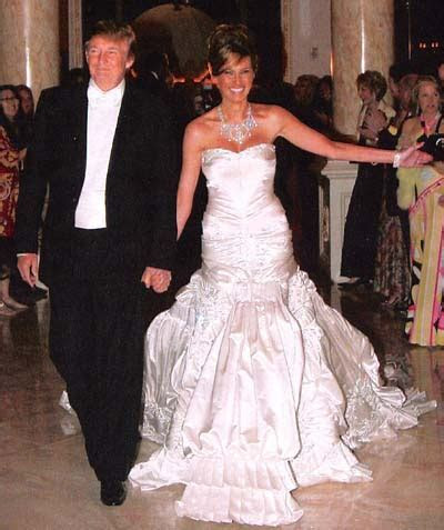 Celebrity Wedding Dresses ? Sang Maestro
