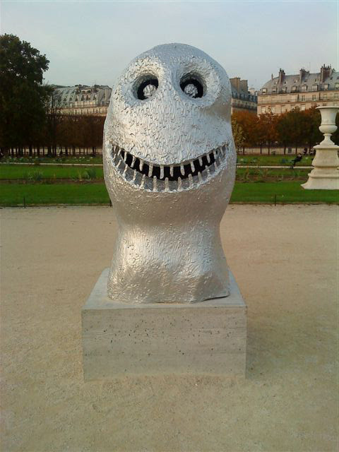 Monster heads in the Jardin des Tuileries