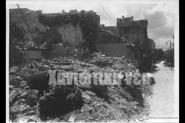 Αγνώριστη μετά τους βομβαρδισμούς η οδός Χάληδων