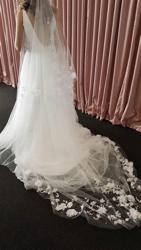 ATHENA   Long wedding veil with flowers   TANIA MARAS