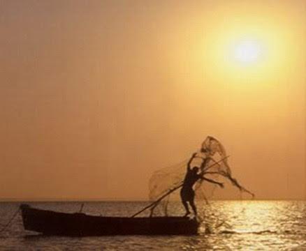 BAZARUTO - pescador na faina1.jpg