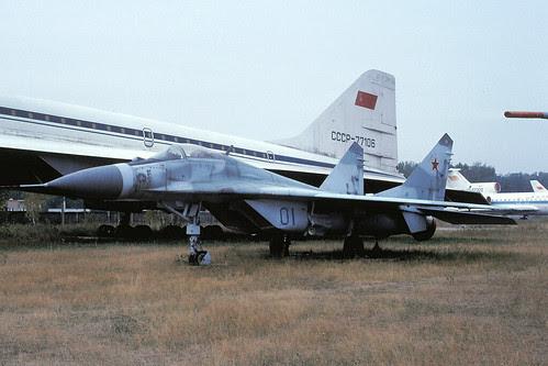 01b MiG-29