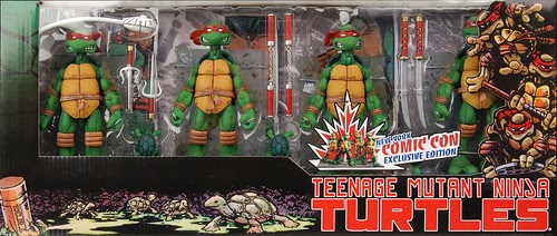 NECA TMNT - Box set // New York City Comic - con Exclusive  ..for signing by Peter Laird  [[Courtesy of Steve Murphy and Randy @ NECA]]